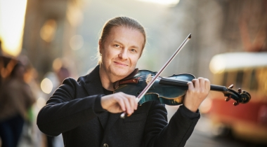 The most famous Czech violinist Pavel Šporcl begins to study MBA